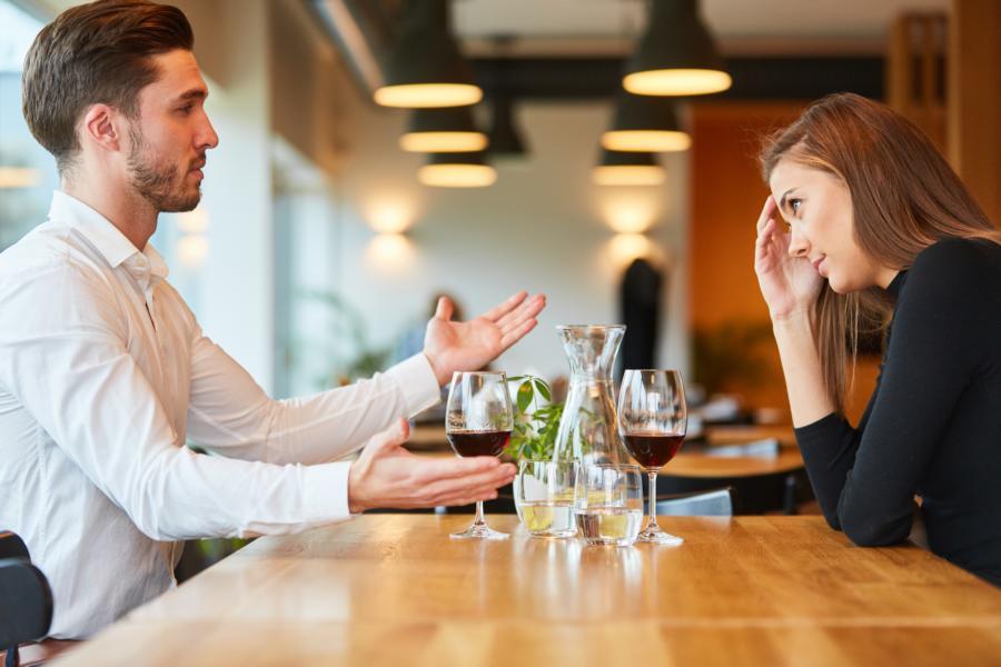 Umgang mit ungerechtfertigten Vorwürfen in der Beziehung